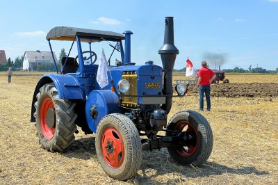 tractor_field_farm_wheel_vehicle_agriculture_572282_pxhere.com